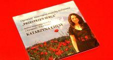 Певица Катажина Хэнсы подарила полонии Астаны свой музыкальный альбом